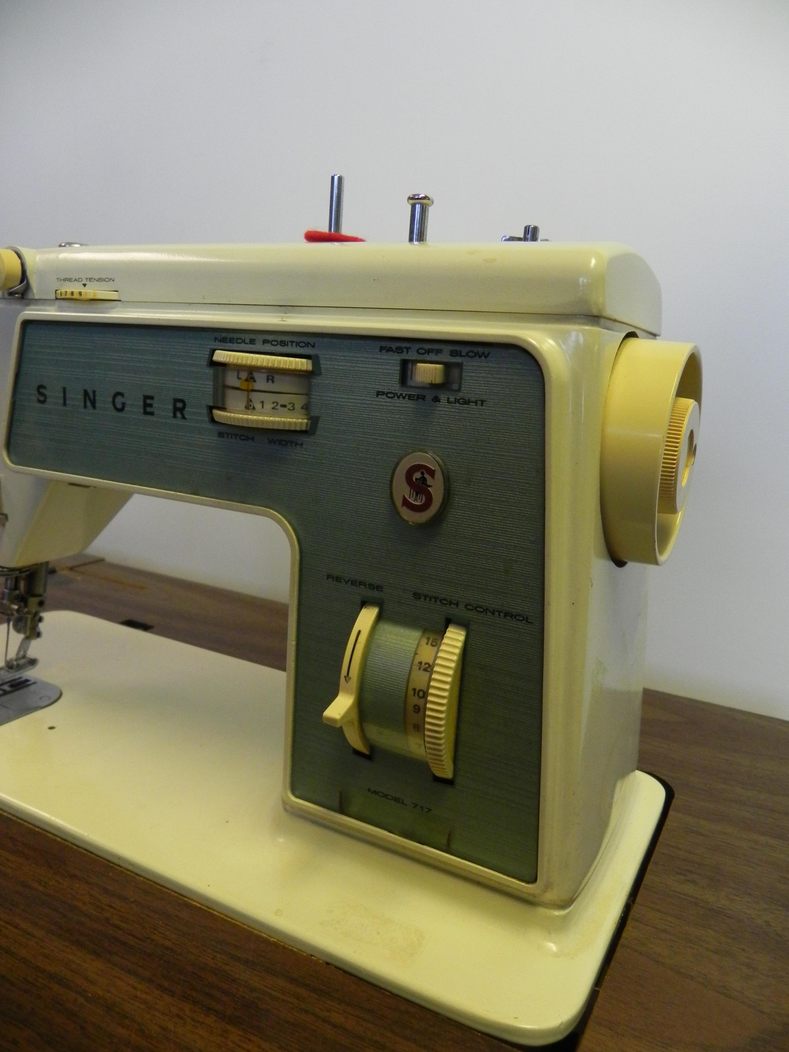 singer sewing machine model 717