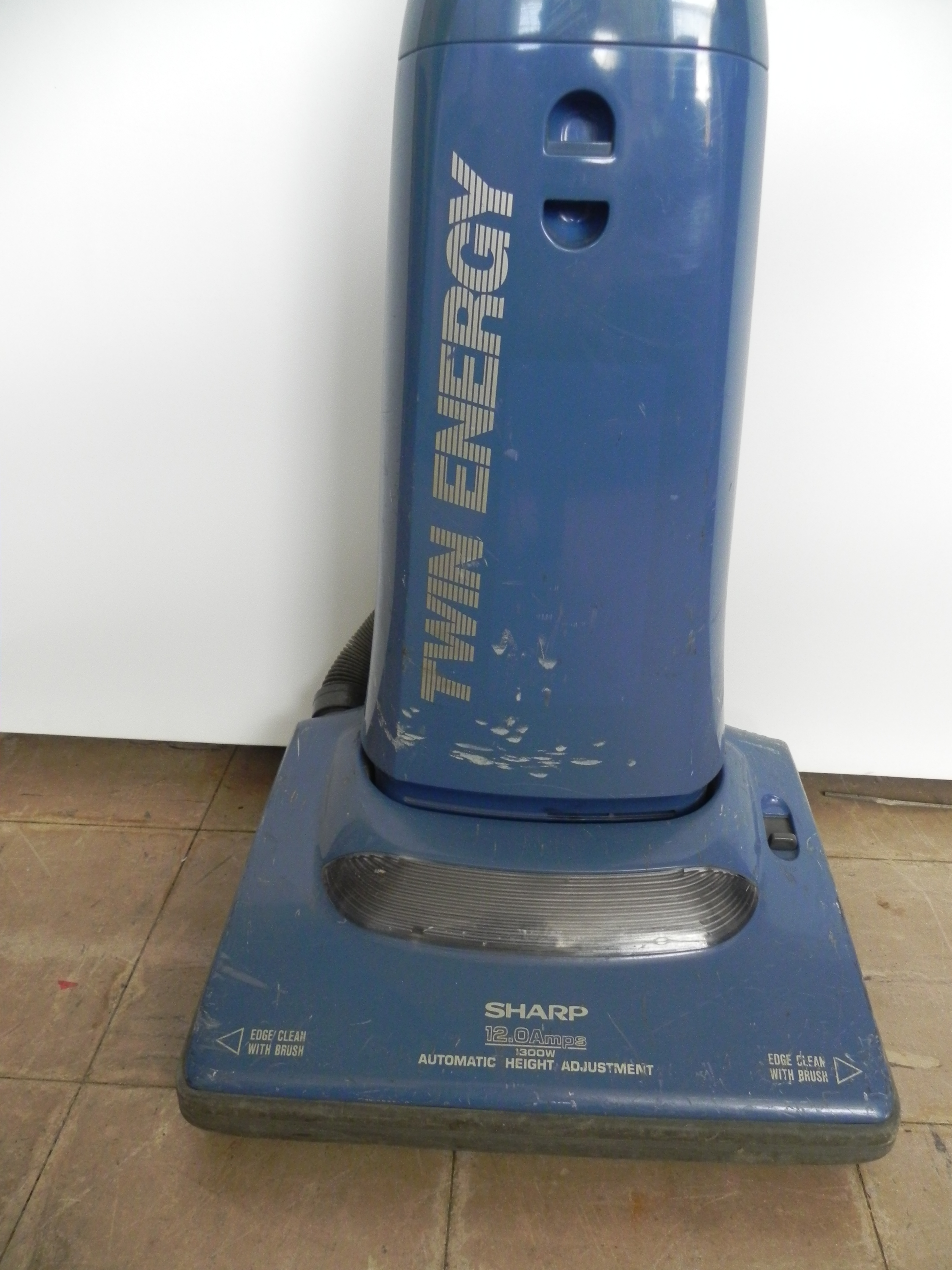 vacuum cleaners sharp twin energy